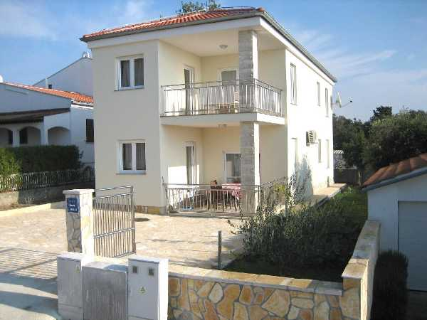 Apartments Vila 5 Petrčane
